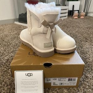 Bridal Collection Mini Bailey Bow Uggs